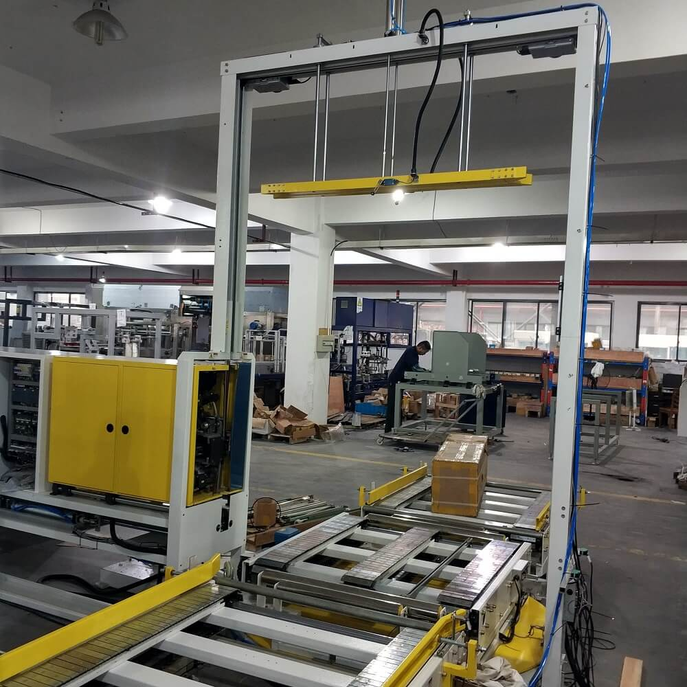 PET pallet side strapping machine