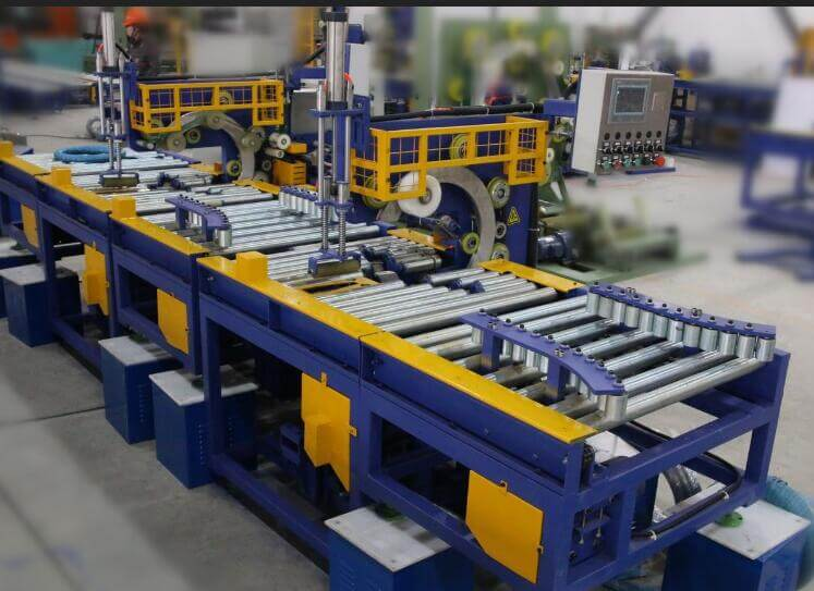 Horizontal steel coil wrapping packaging machine